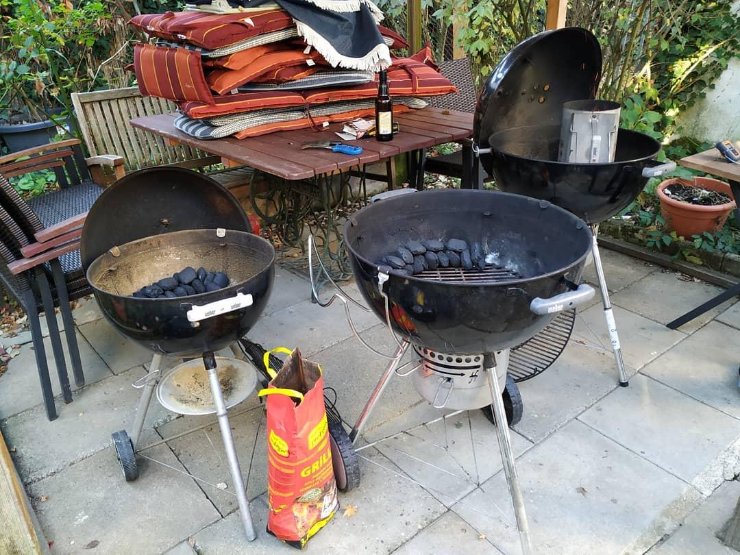 Vorbereitungen für drei Bacon Bombs grillen an Allerheiligen